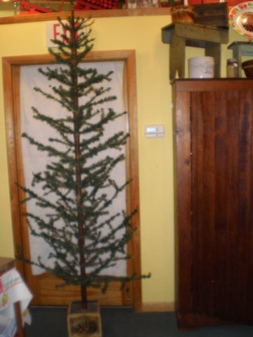 Lyn's Antiques, 8-foot feather tree
