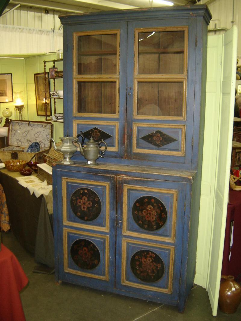 Monches Farm Cupboard
